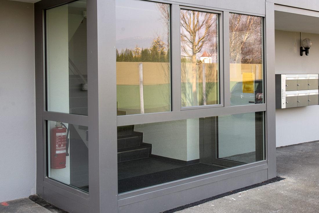 Foto von Kunststoff-Aluminium-Türe – Produkt Türen Sommer AG